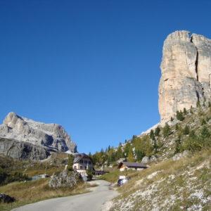 Cinque Torri verso il rifugio Nuvolau